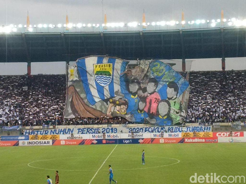 Umuh ke Pendukung Persib Bandung: Jangan Nekat Datang ke Stadion!