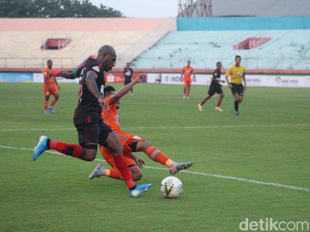 Hasil Liga 1: Arema FC Tumbang, Persipura Imbang, PSS Menang