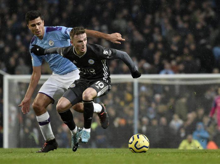 Manchester City berhasil menundukkan Leicester City di pekan ke-18 Liga Inggris. Sempat tertinggal lebih dulu, tim asuhan Pep Guardiola itu akhirnya menang 3-1.