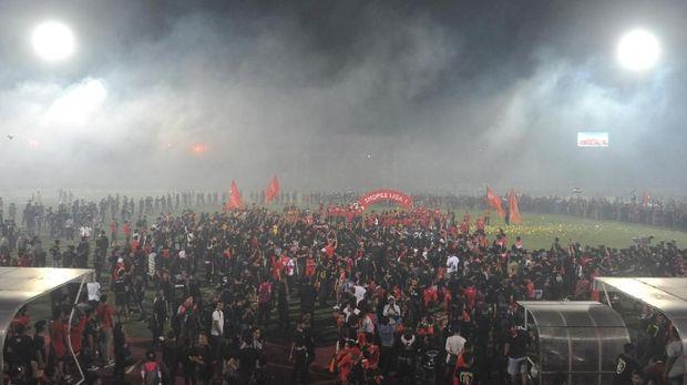 Suasana penganugerahan juara Liga 1 2019 di Stadion I Wayan Dipta, Gianyar, Bali, Minggu (22/12/2019). Bali United berhasil menjadi juara Liga 1 2019 dengan total poin 64. ANTARA FOTO/Nyoman Budhiana/aww.