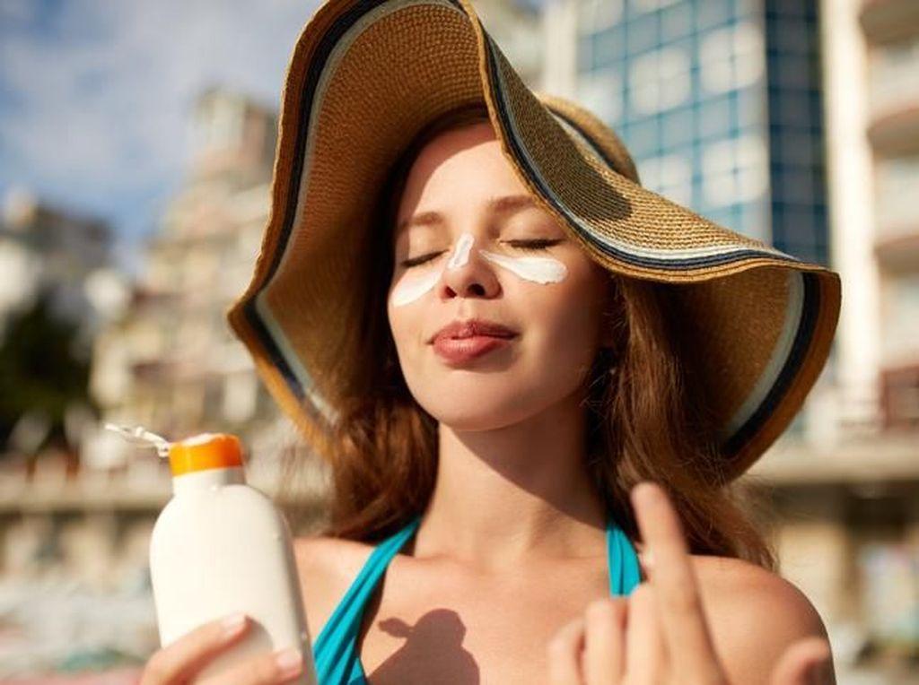 Viral Tren Baru Contouring Pakai Sunscreen yang Ternyata Berbahaya Bagi Kulit