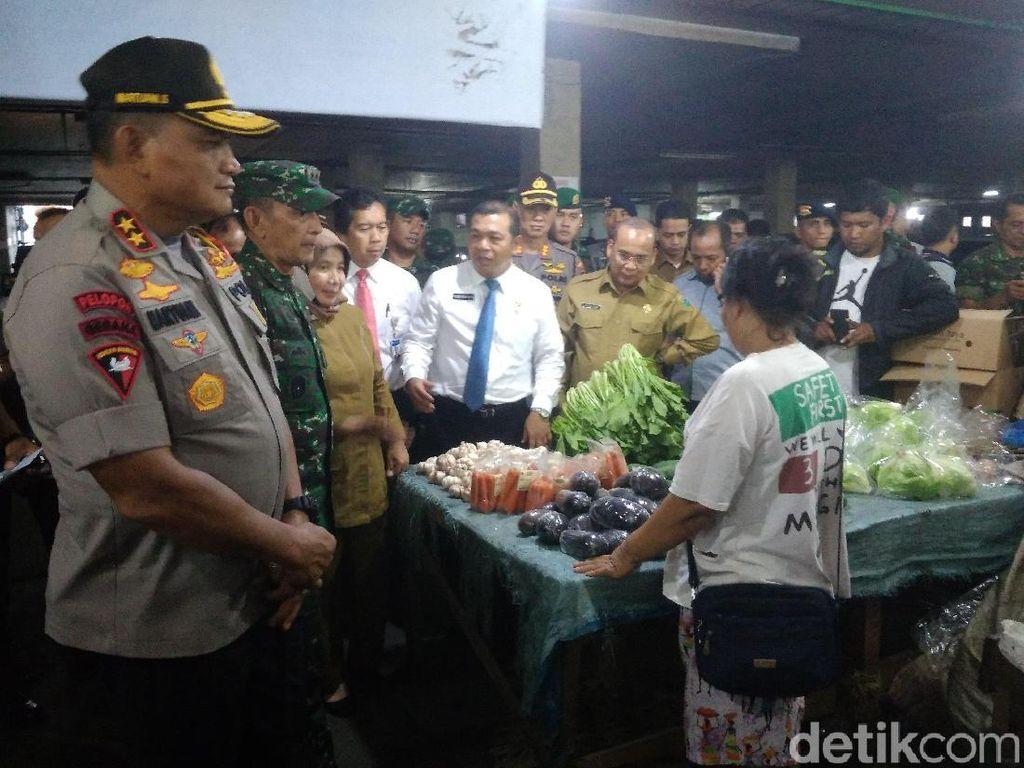 Kapolda Sumut, Pangdam, dan Sekda Sidak Pasar, Tinjau Harga Pangan di Medan