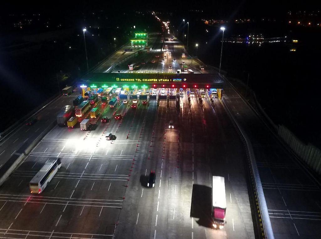 21 Ribu Kendaraan Masuk Jabodetabek Via GT Cikampek