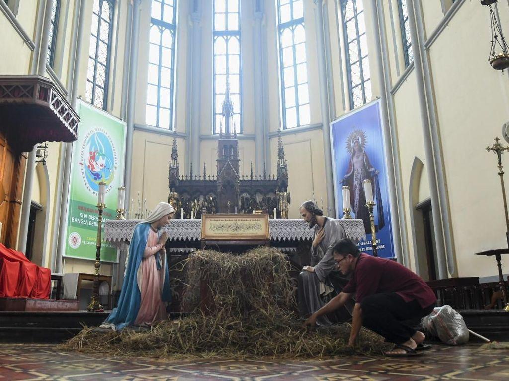 Gereja Katedral Siapkan 3 Sesi Misa Malam Natal