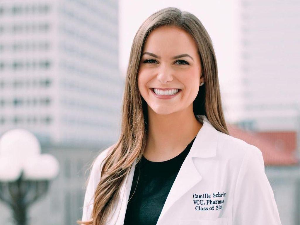 Foto Ilmuwan Cantik Jadi Miss America