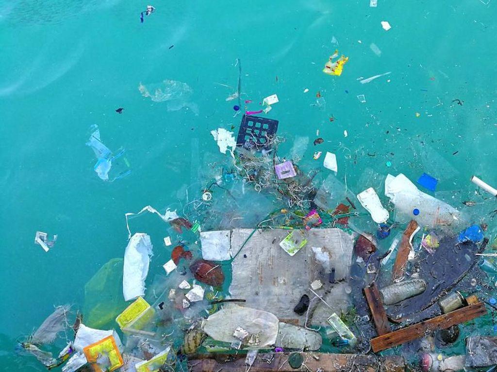 Dituding Buang Sampah ke Laut, Ini Klarifikasi KM Chantika 10c