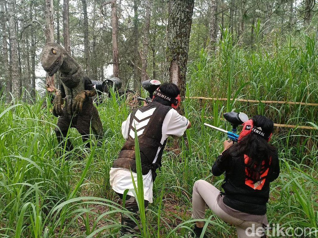 Mojosemi Forest Park Tawarkan Jumpa Dinosaurus, Panahan, Sampai Kemping