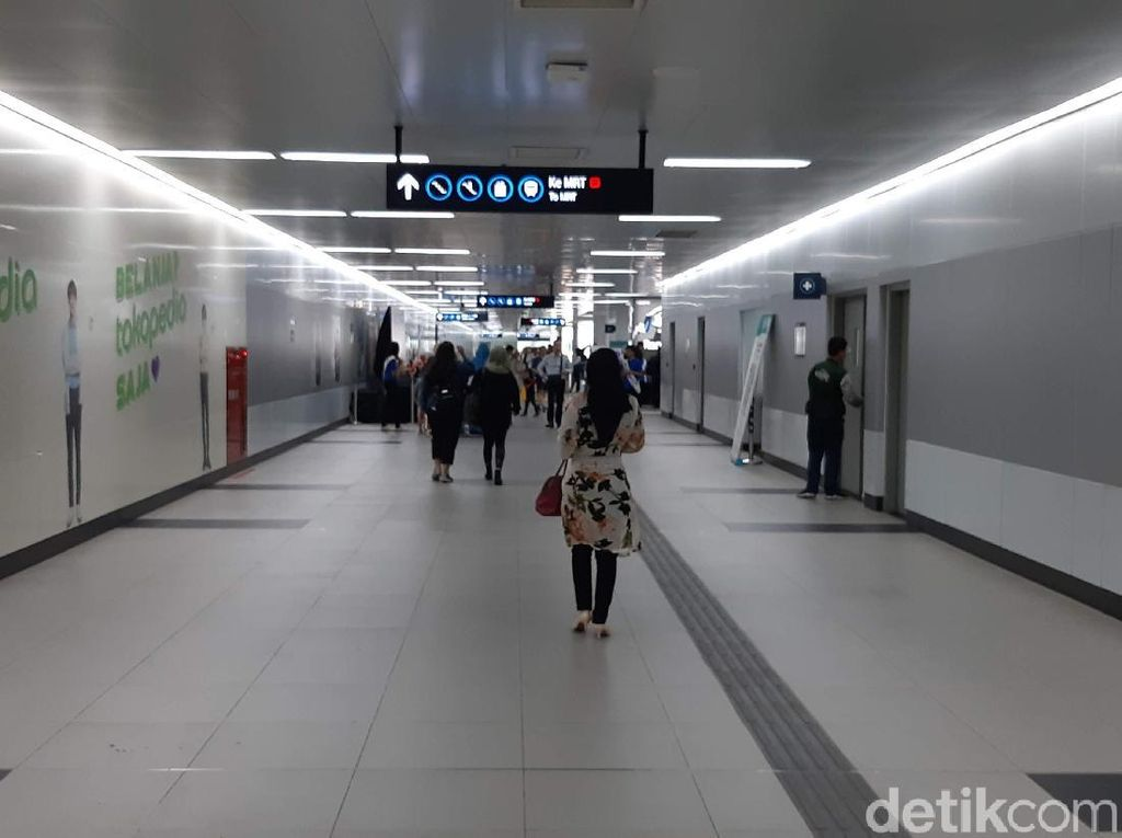 Penumpang di Dukuh Atas Kena Corona, MRT Belum Rencana Tutup Stasiun Lagi
