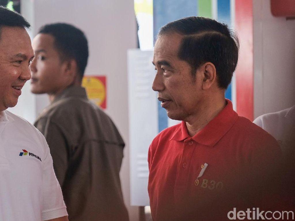 Momen Jokowi dan Ahok Ngobrol Berdua, Bahas Apa Ya?