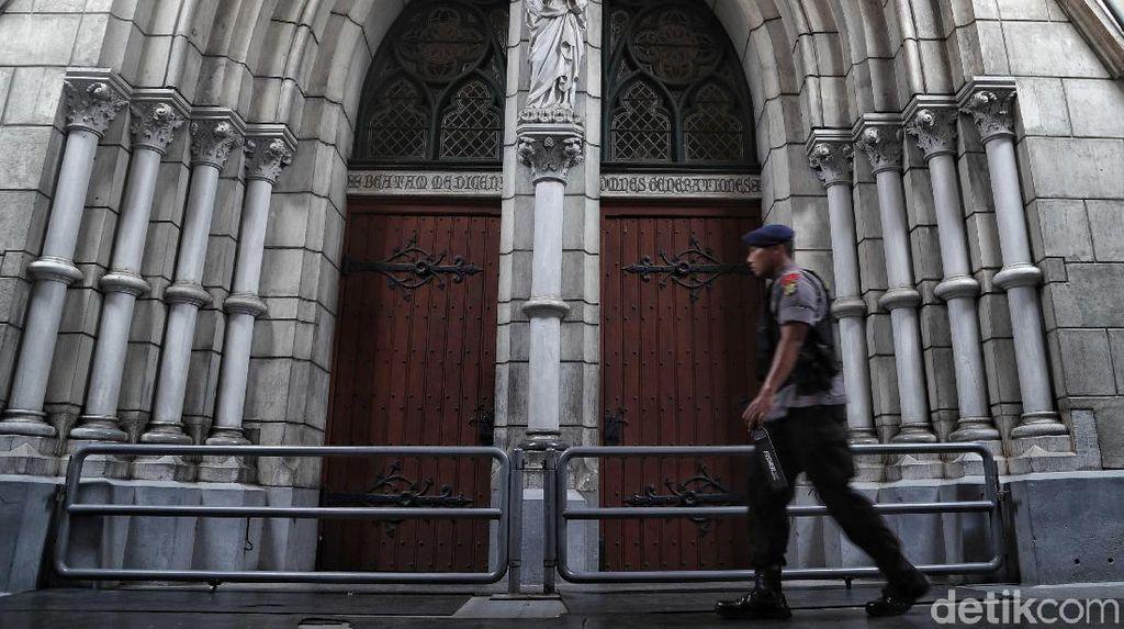 Gegana Hingga Anjing Pelacak Amankan Gereja Katedral Jakarta