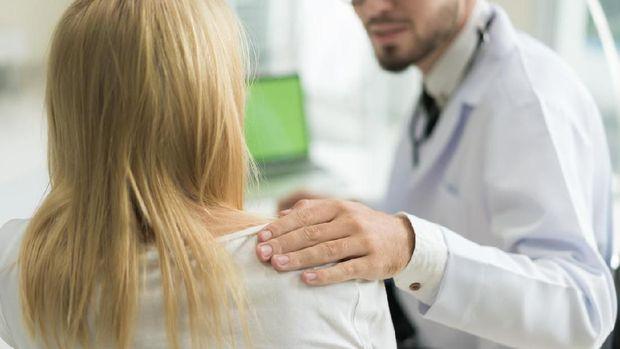 Ilustrasi wanita dan dokter