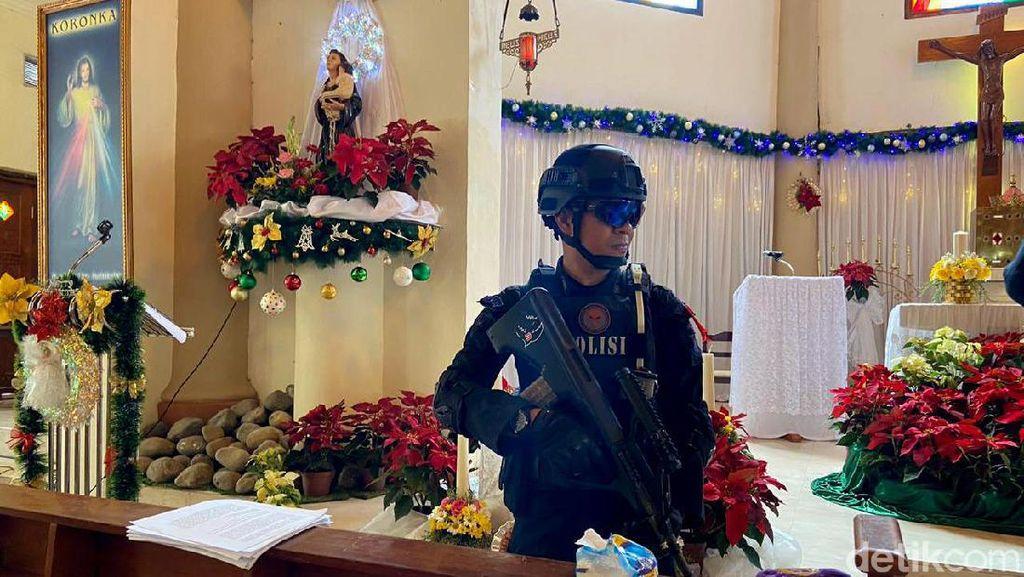 Jelang Misa Natal, Gegana Sisir Gereja di Makassar