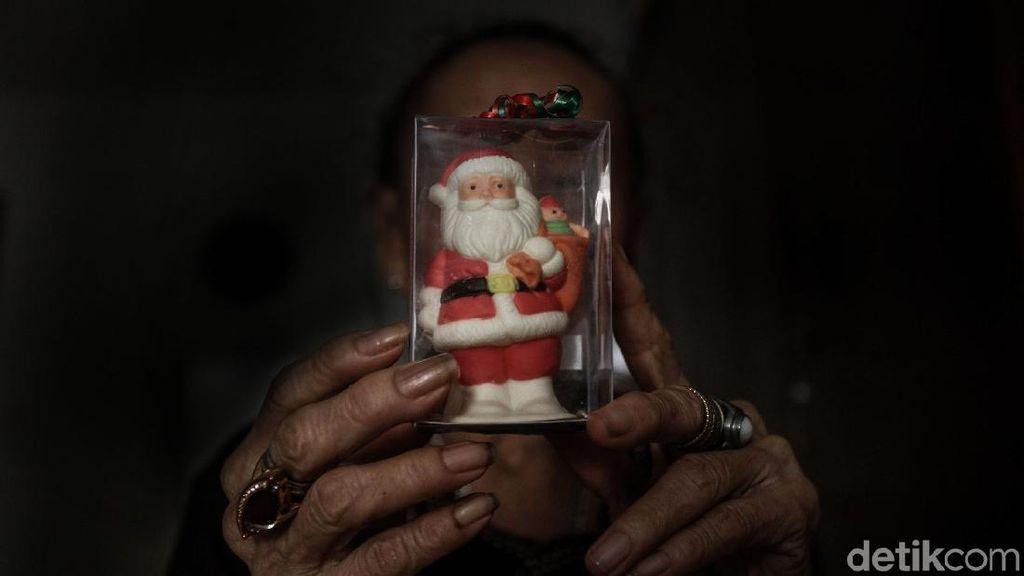 Suka Cita Jelang Natal di Panti Jompo
