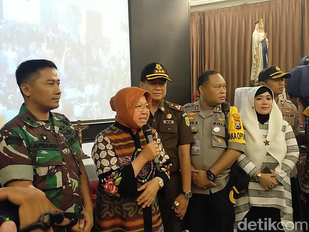 Pastikan Misa Lancar, Risma Keliling Gereja Bareng Forkopimda Surabaya