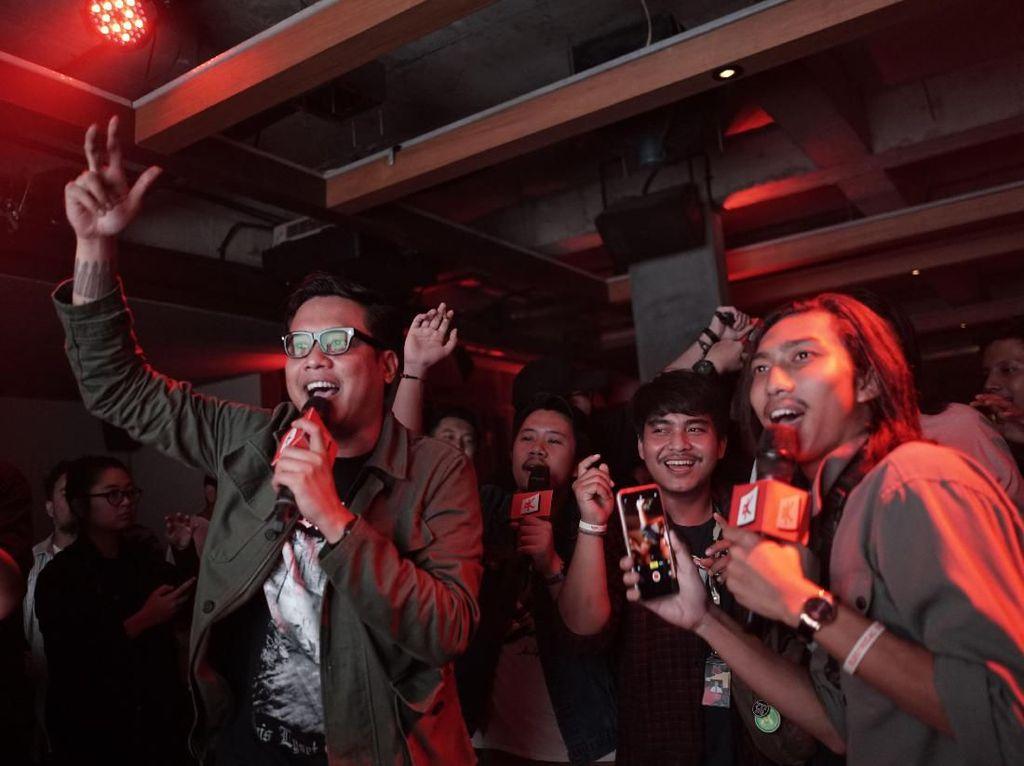 Kasper Bikin Kontes Adu Singing Begitu Bahagia