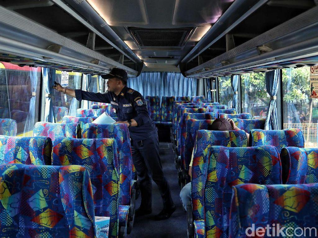 Sudah Saatnya Penumpang Bus Umum Diwajibkan Pakai Seatbelt!