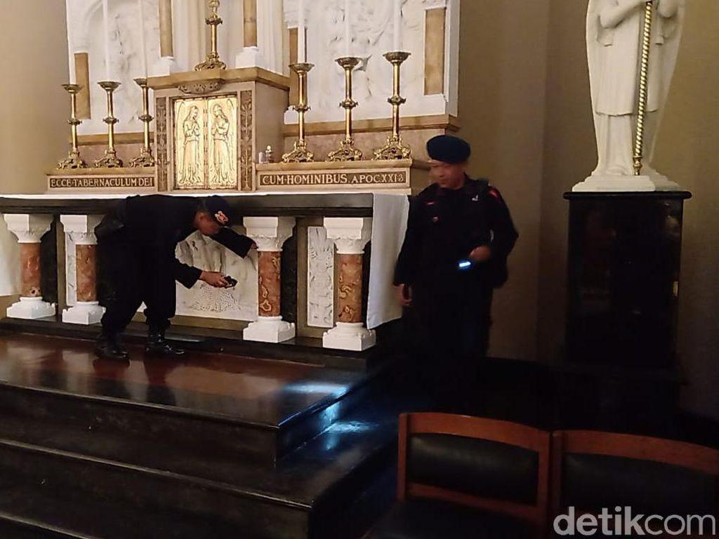 Jelang Natal, Tim Jibom Sterilisasi Gereja di Kota Bandung