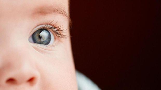 ilustrasi sakit mata pada bayi