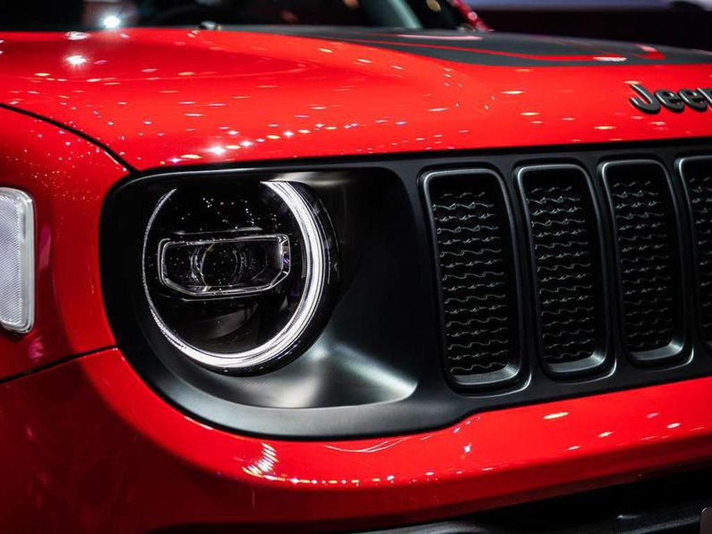 Mobil Pertama Jeep Hybrid