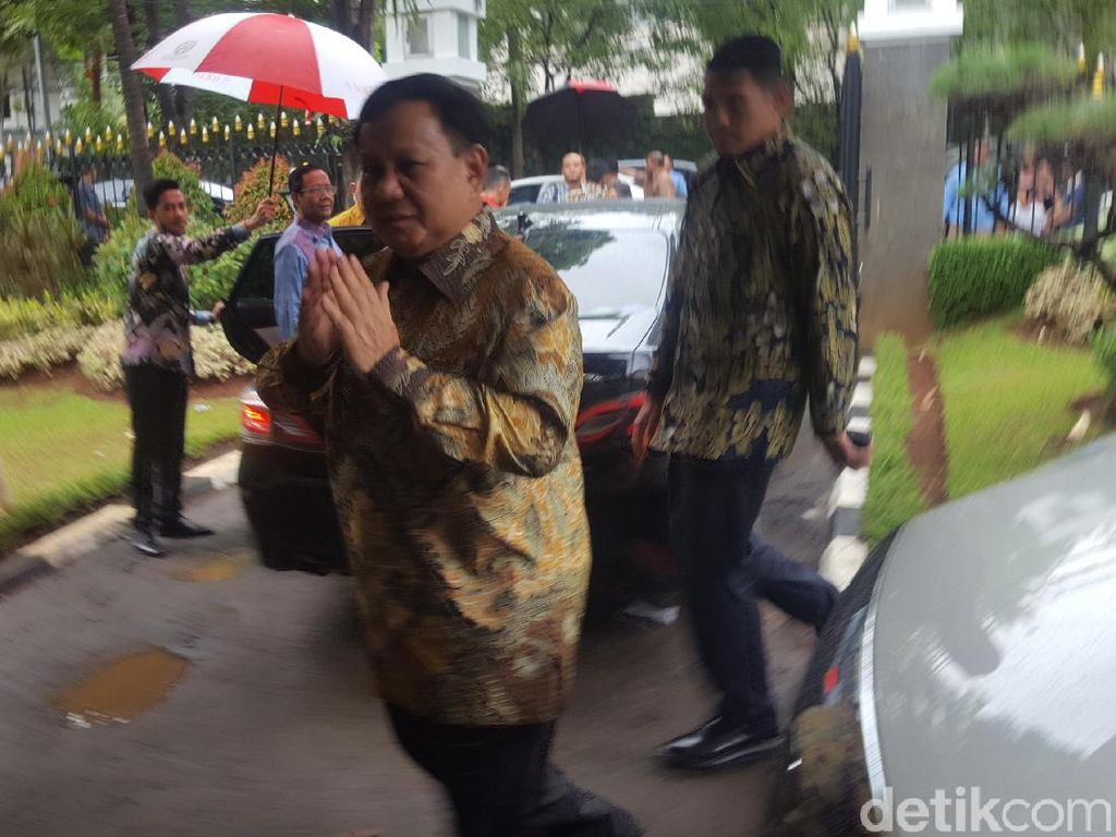 Prabowo: Selamat Natal, Damai Sejahtera bagi Kita