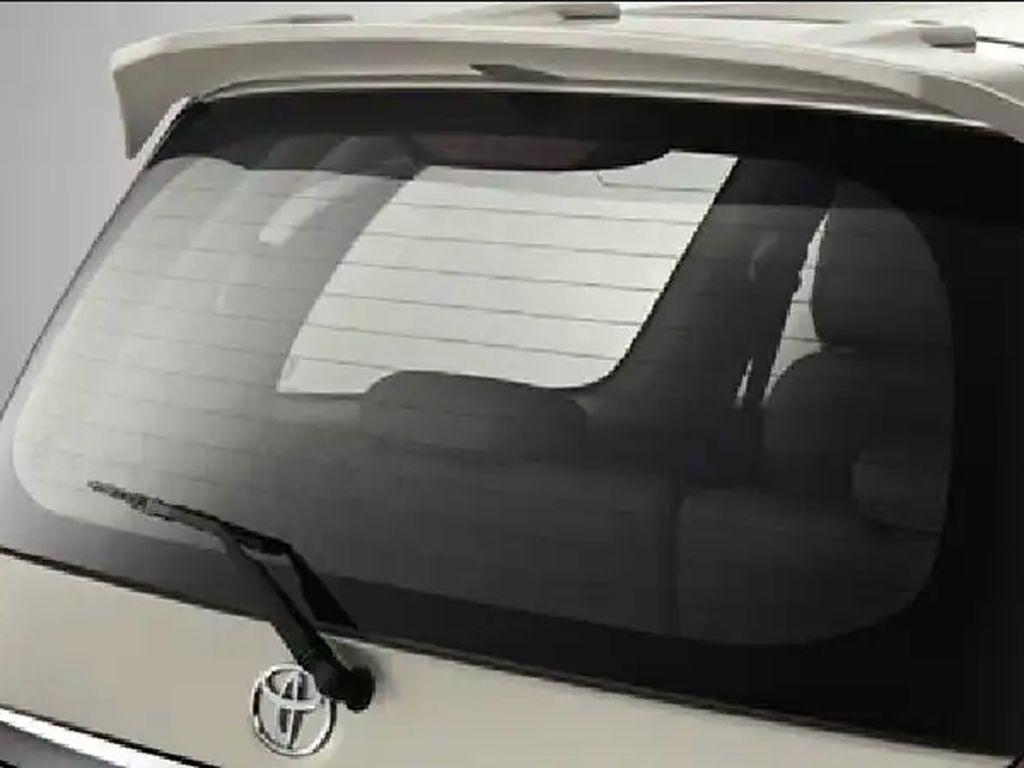 Mobil dengan Defogger Aman Dilapisi Kaca Film?