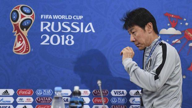 Tae Yong Tak Berjudi Latih Timnas Indonesia