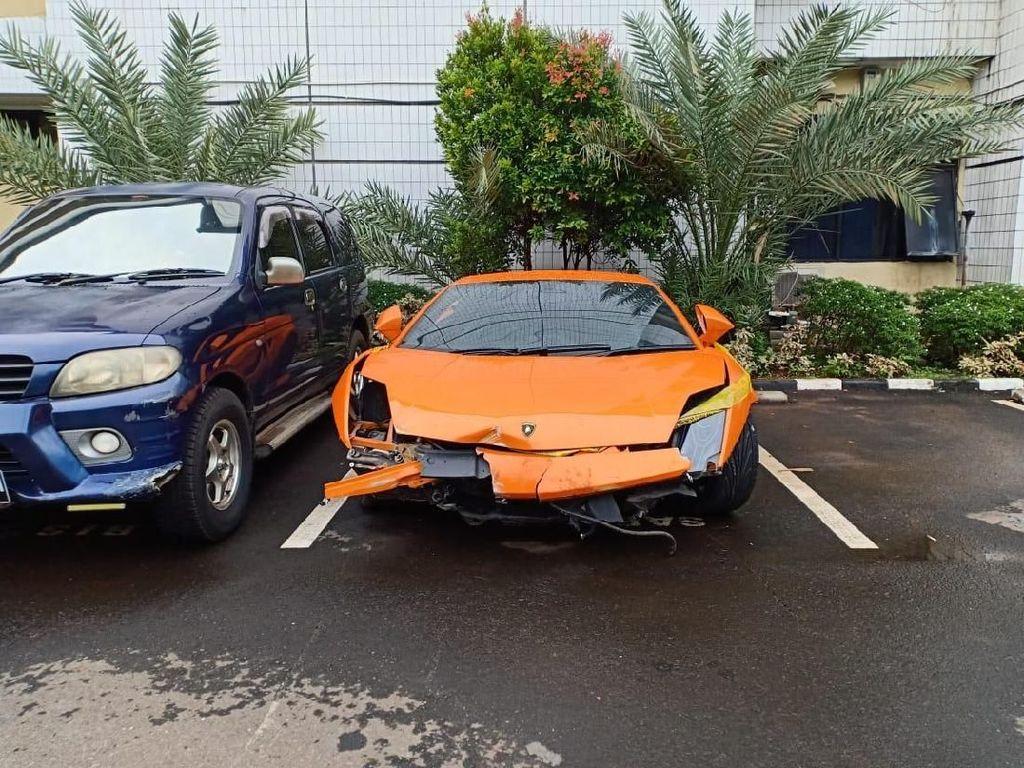 Begini Urutan Lamborghini Dipakai Todong Pelajar hingga Kecelakaan di Thamrin