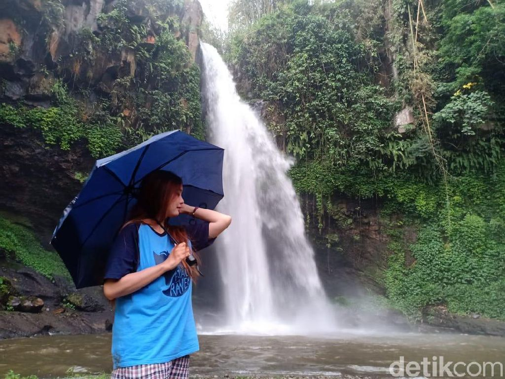 Air Terjun Guyangan di Probolinggo Ini Indah Banget