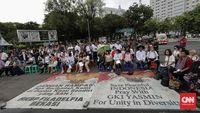 Banyak kasus jemaat agama minoritas yang tak bisa beribadah karena ditolak oleh warga setempat