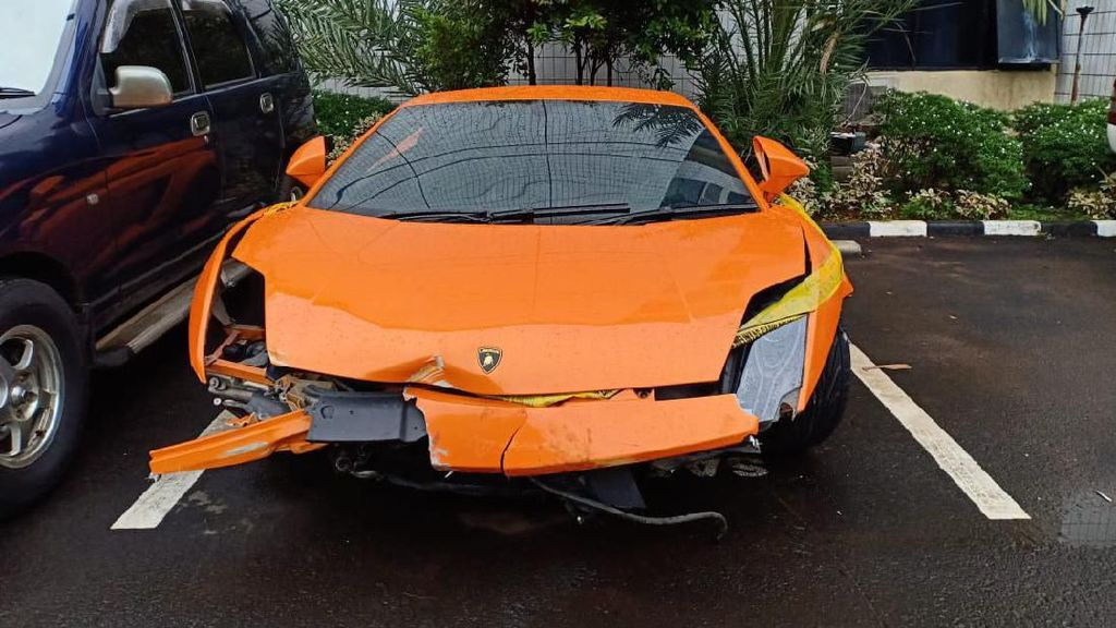 Penampakan Lamborghini Penodong Pelajar yang Kini Ringsek Parah