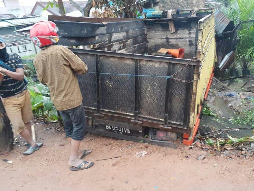 Hendak Tugas Amankan Natal, Polisi di Sumut Tewas Tertabrak Truk
