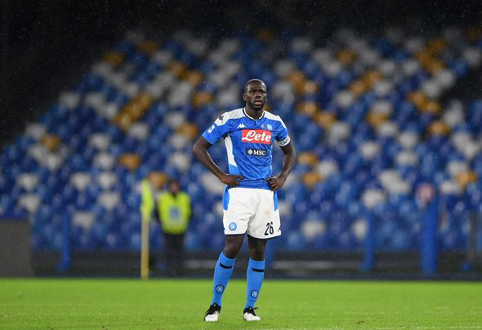 NAPLES, ITALY - NOVEMBER 09: Kalidou Koulibaly of SSC Napoli stands disappointed during the Serie A match between SSC Napoli and Genoa CFC at Stadio San Paolo on November 09, 2019 in Naples, Italy. (Photo by Francesco Pecoraro/Getty Images)