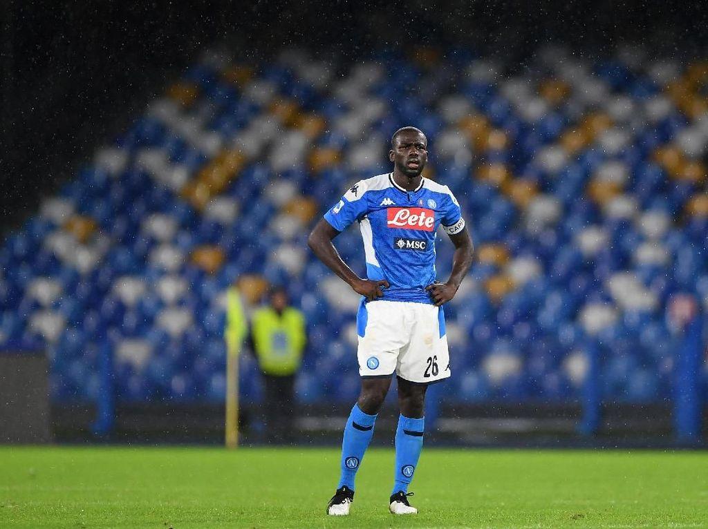 Rumor Transfer: Incar Koulibaly, Arsenal Kontak Napoli