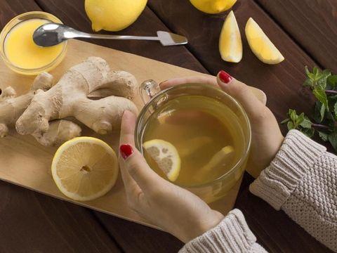 5 Minuman Alami yang Bantu Redakan Flu pada Anak