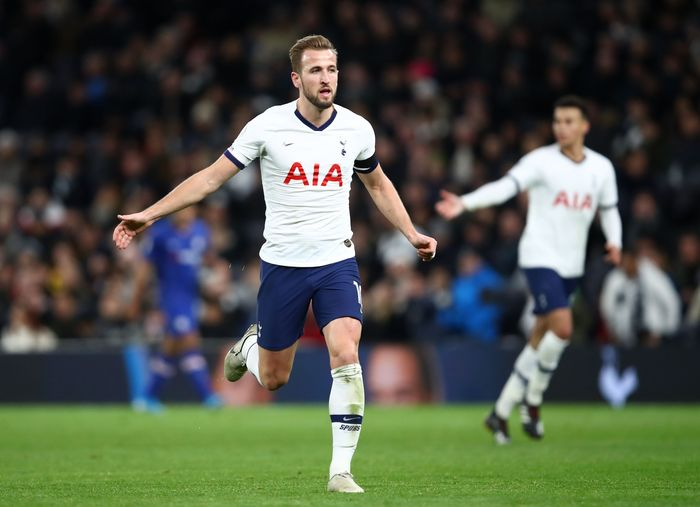 LONDON, ENGLAND - DECEMBER 22: Harry Kane of Tottenham Hotspur   during the Premier League match between Tottenham Hotspur and Chelsea FC at Tottenham Hotspur Stadium on December 22, 2019 in London, United Kingdom. (Photo by Julian Finney/Getty Images)