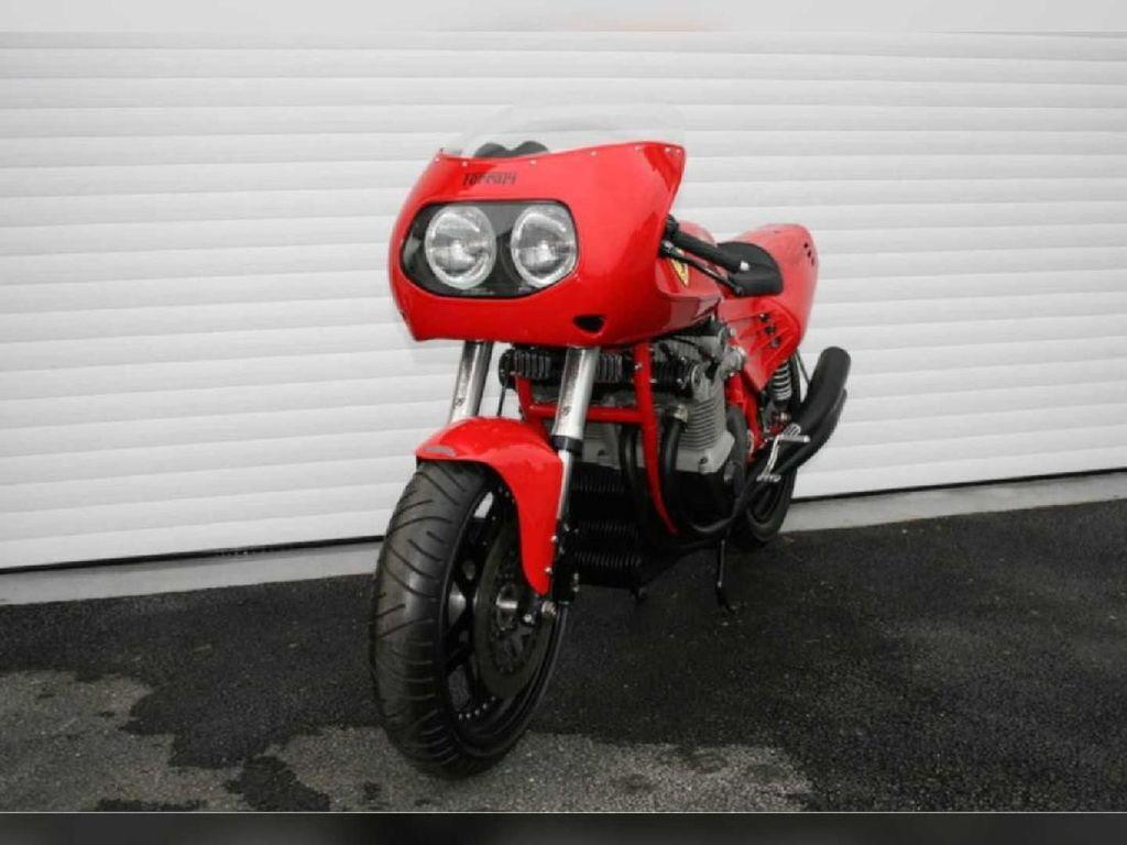 Merah Merona, Motor Roda Dua Buatan Ferrari
