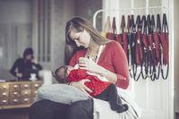 5 Kelebihan ASI Ibu yang Melahirkan Bayi Prematur