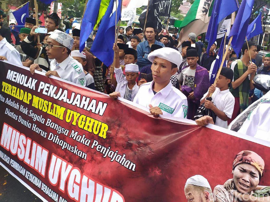 Warga Cianjur Gelar Aksi Bela Muslim Uighur
