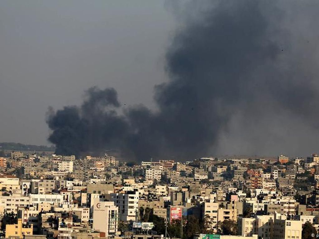 Balas Bom Balon Hamas, Israel Serang Jalur Gaza