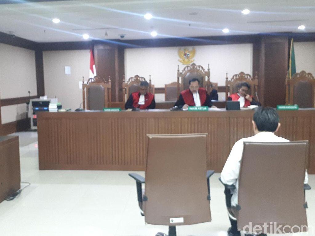 Eks Anggota DPR Sukiman Didakwa Terima Suap Rp 2,9 M