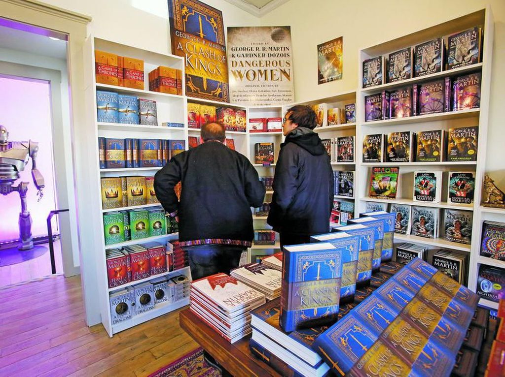 Penulis Game of Thrones Buka Toko Buku di Kampung Halamannya