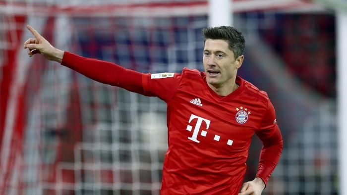 Robert Lewandowski jadi pemain tertajam di 2019 dengan 54 gol (Matthias Schrader/AP Photo)