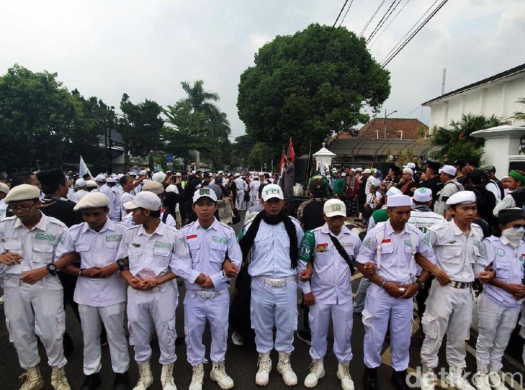 Usai Salat Gerhana, Ormas Islam di Sukabumi Gelar Aksi Solidaritas Uighur