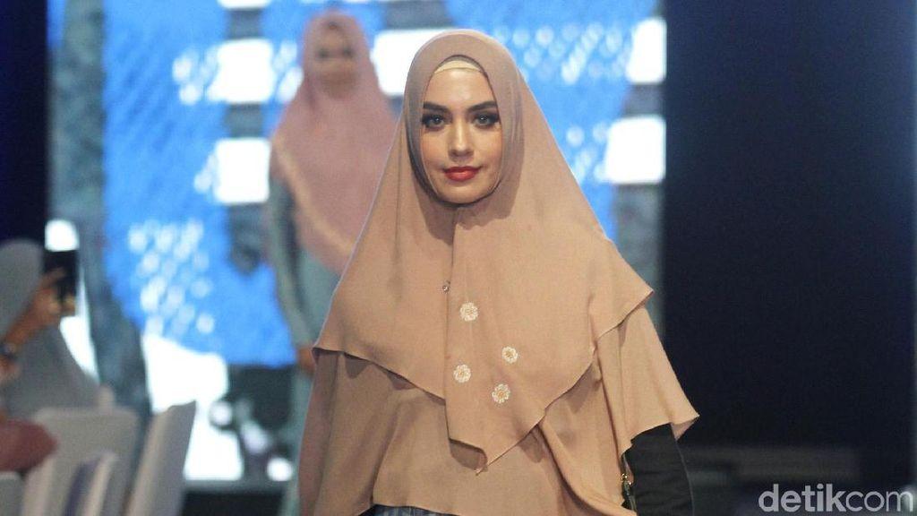 15 Koleksi Busana Muslim Syari untuk Liburan dari Si.Se.Sa