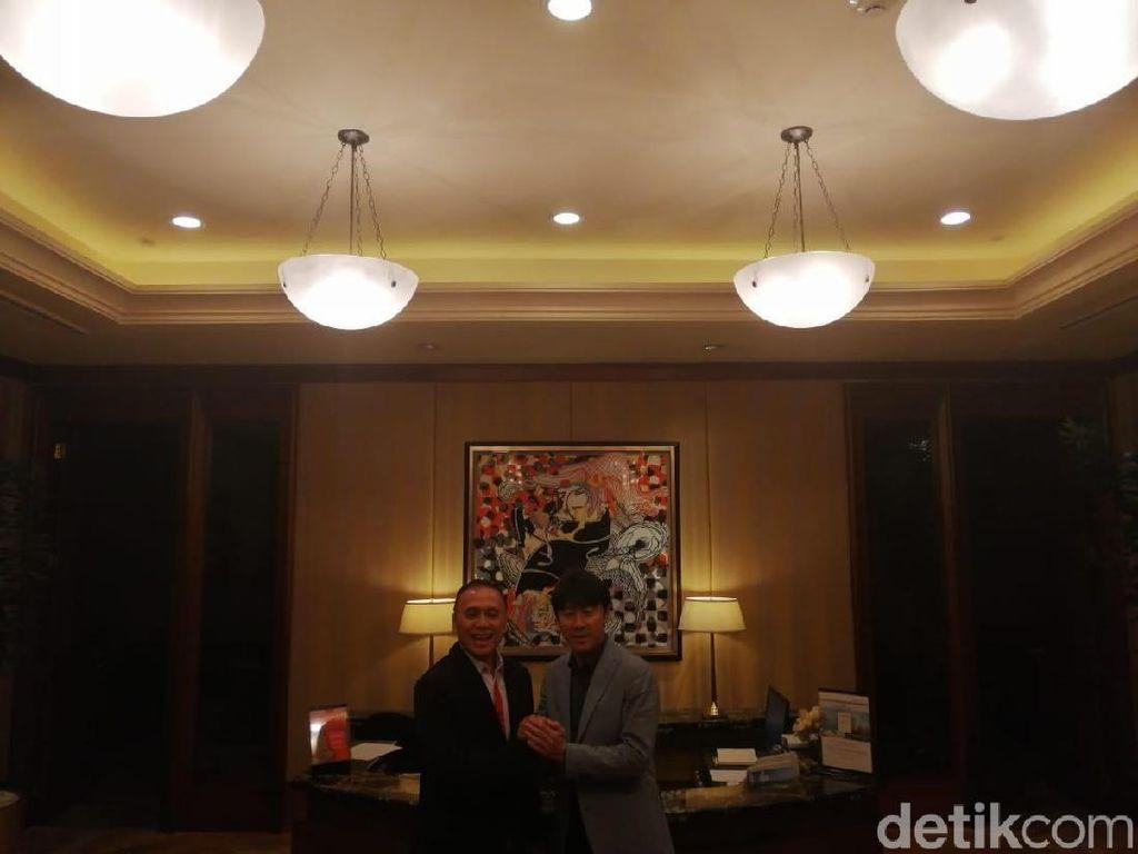 Iwan Bule dan Shin Tae-yong Bicarakan Finalisasi Kontrak