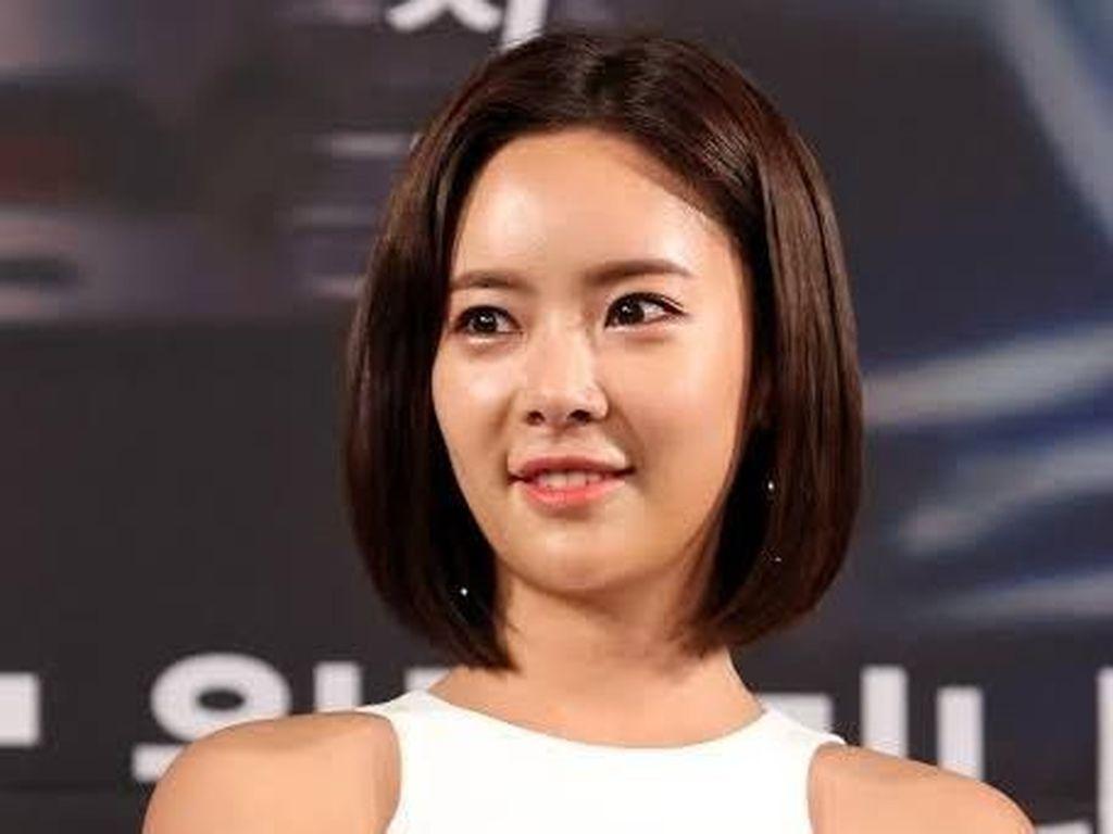 Aktris Hwang Jung Eum Pilih Rujuk dengan Suami Usai Mediasi