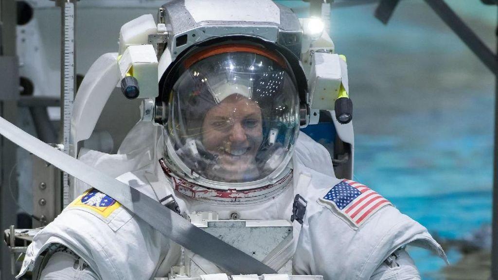 Intip Latihannya Astronot NASA yang Akan Terbang ke Bulan dan Mars