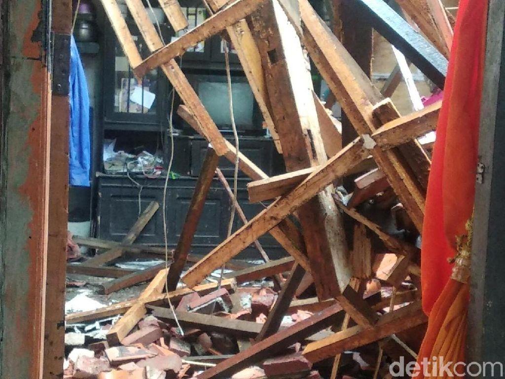 10 Rumah Rusak Disapu Badai di Gedebage Bandung, Nihil Korban Jiwa