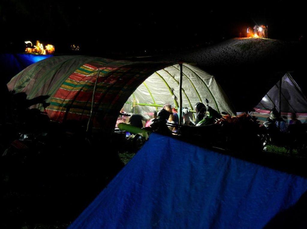 Berkemah di Kampung yang Hilang Tersapu Tsunami
