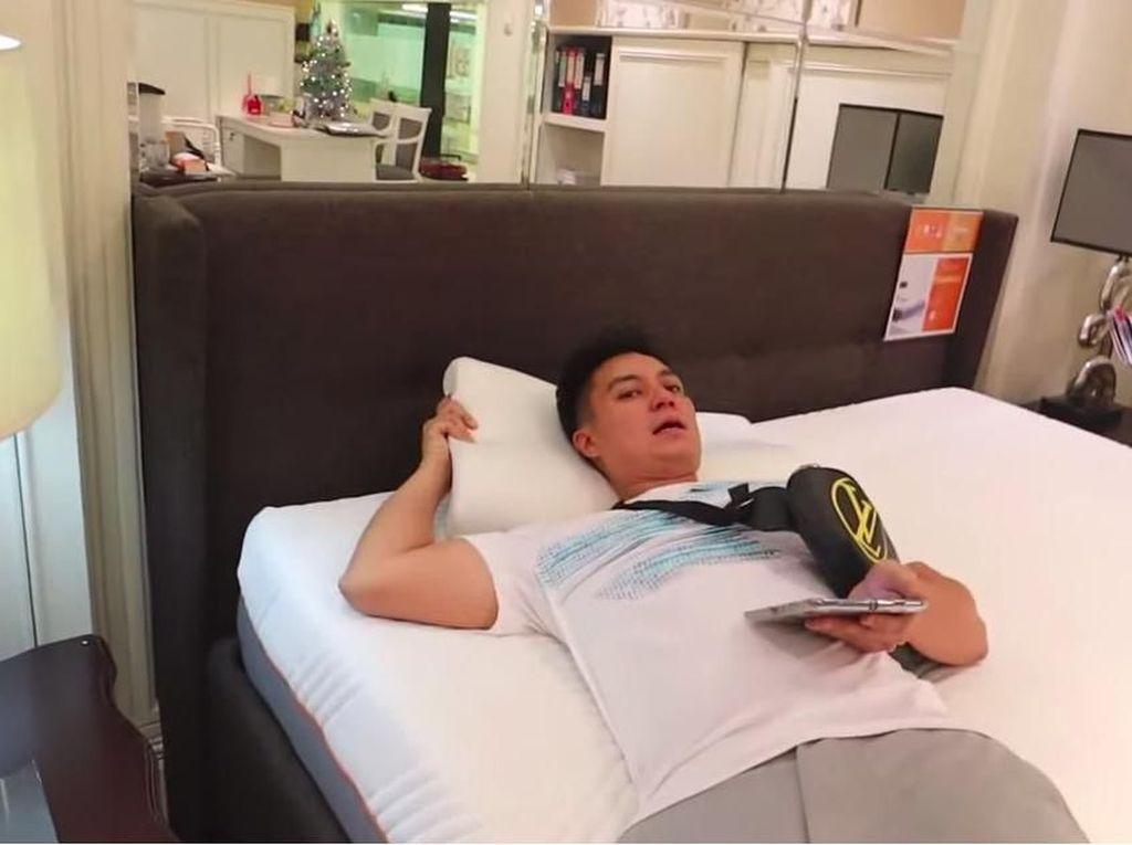 Paula Akan Melahirkan, Baim Wong Booking Hotel hingga Beli Bantal Rp 2 Juta
